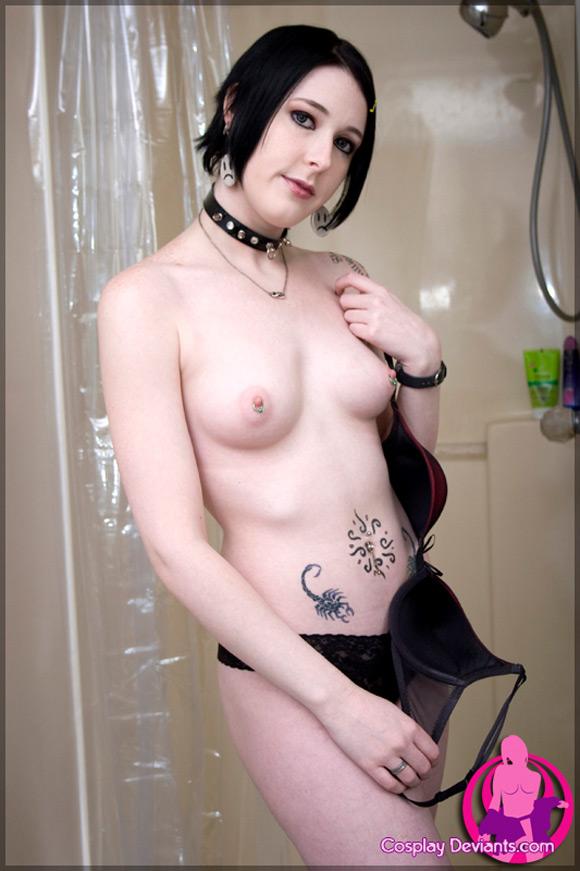 sophia-blaqk-tagger-naked-cosplay-deviant