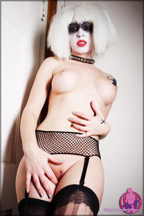 vivka-pleasure-bot-naked-cosplay-deviant